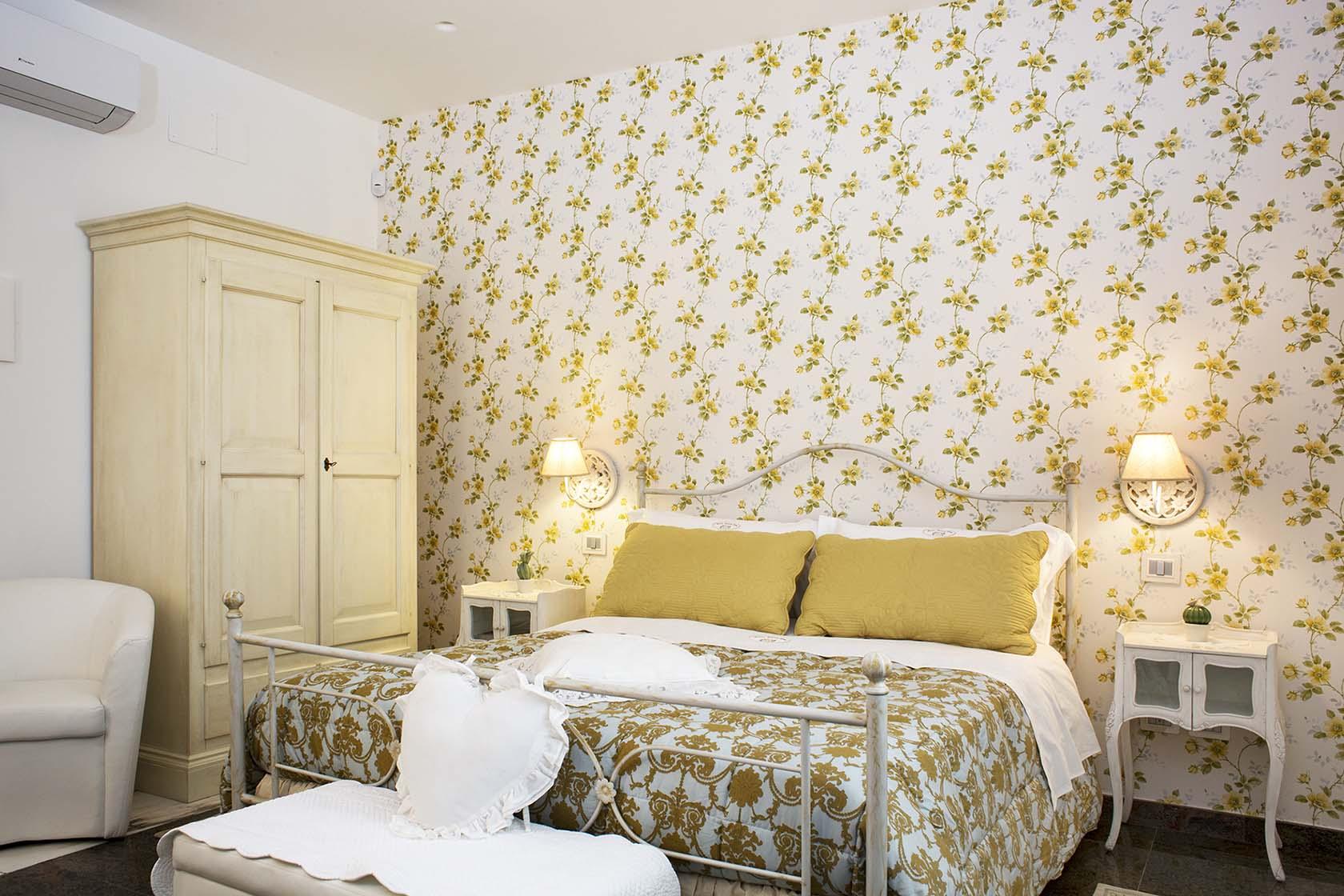 Adeline Suite 70