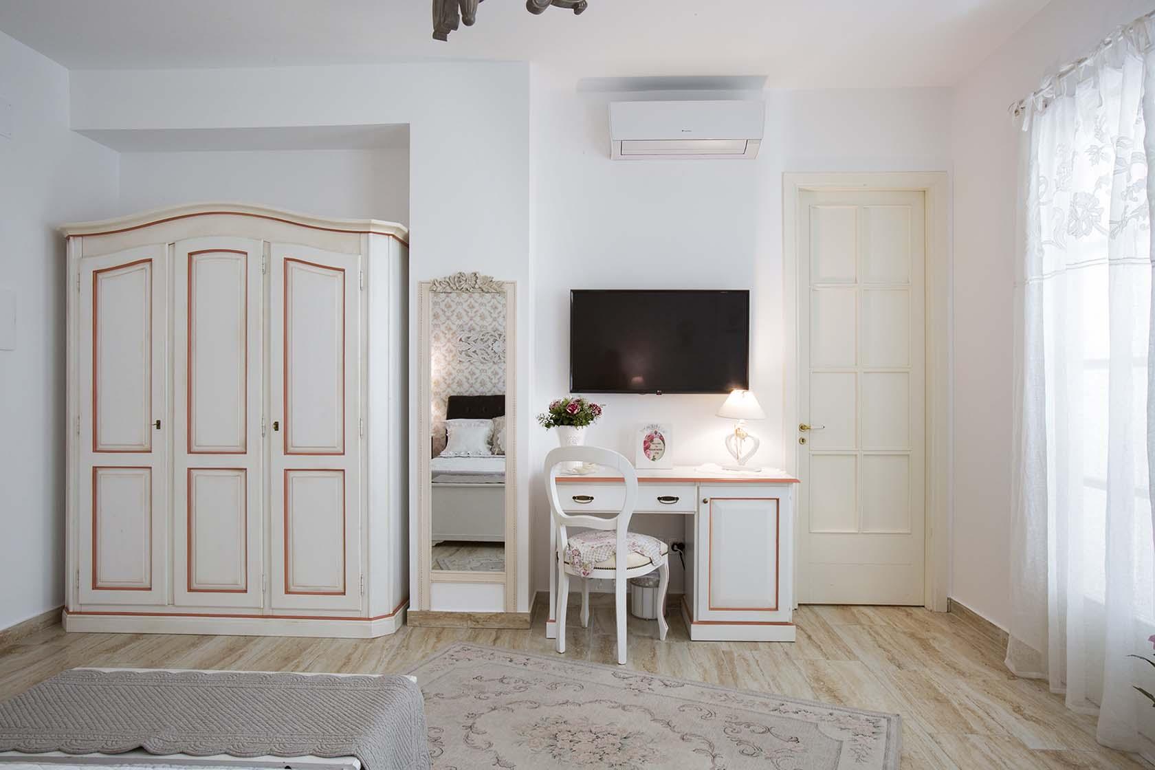 Penelope Suite 07